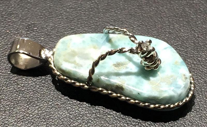 Larimar Flip Flop Pendant with white gold & diamonds
