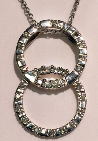 Pendant with diamonds