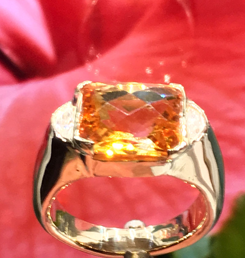 Yellow Gold Citrine Ring with diamonds